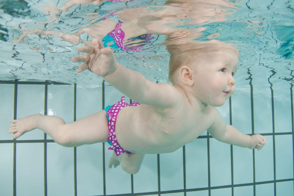 Baby onderwater